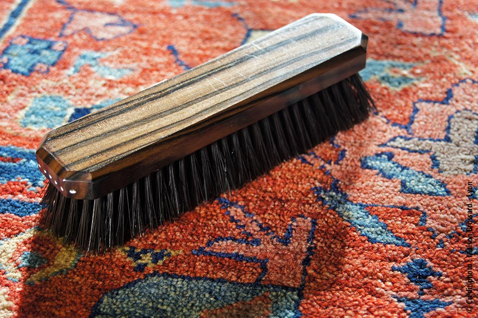 brosse_habits_artisanale_brossard_france_sliders