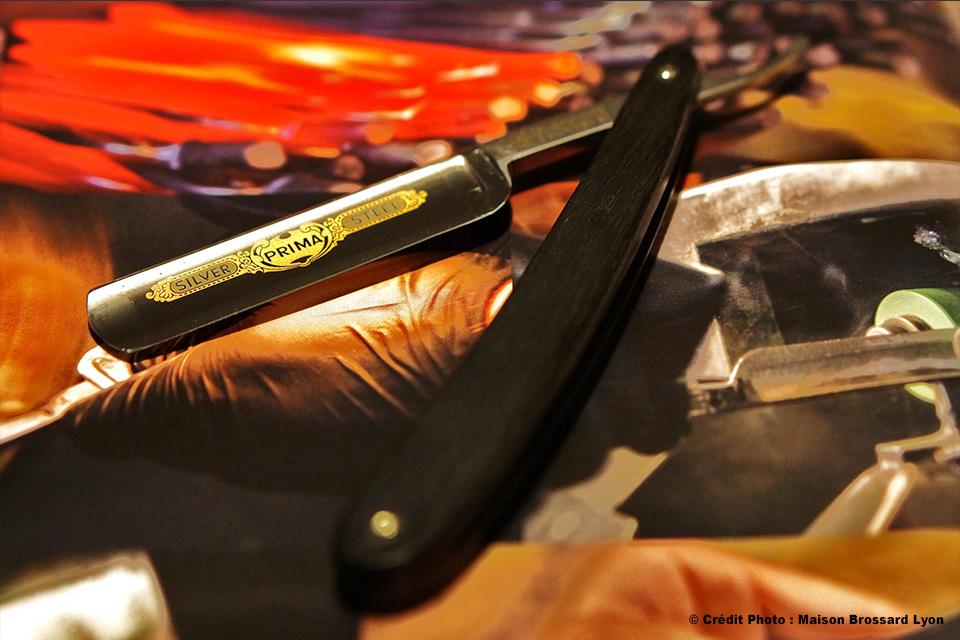 Rasoir de barbier Dovo Solingen chasse en ébène
