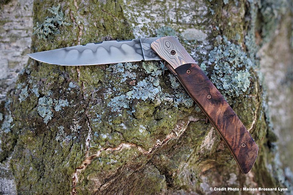 Benjamin THUILIER - Tamarin tourmenté - et mitre mokume gane - Entretoise bois de fer - Acier carbone avec trempe sélective
