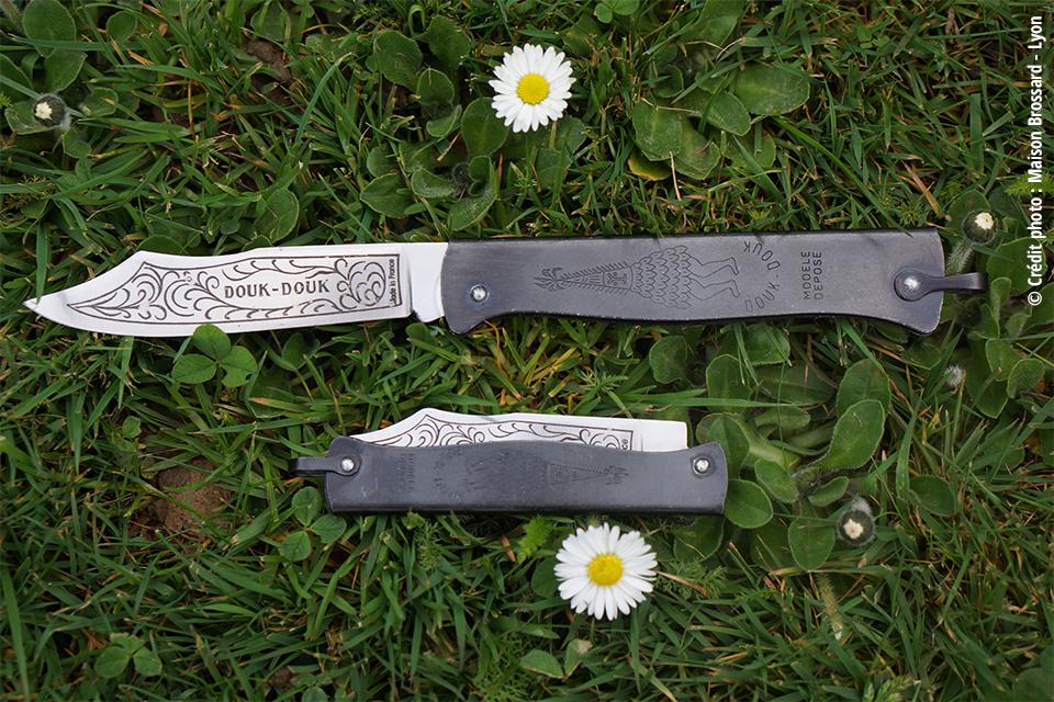 Couteaux Douk-Douk Thiers – France. De 24€ à 380€ en version damas