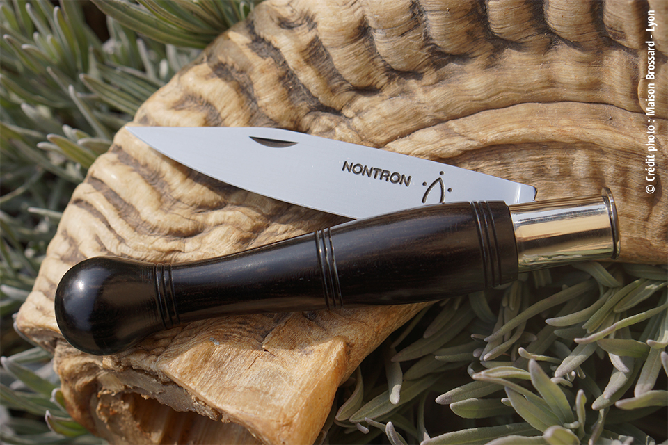 Le Nontron – Ébène. Large gamme de 42€ à 85€