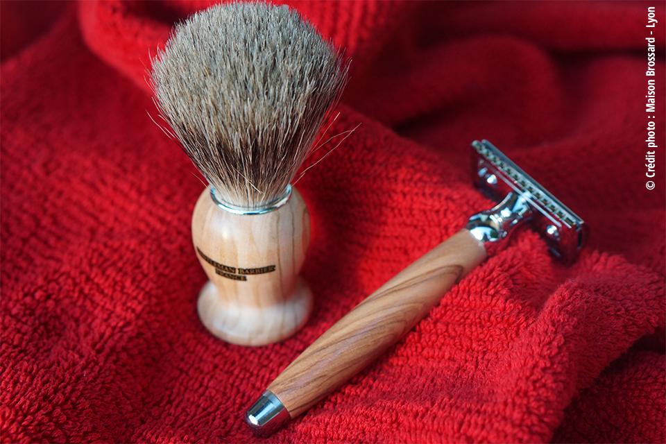 Gentleman Barbier - France. Blaireau 95€ / Rasoir 69€