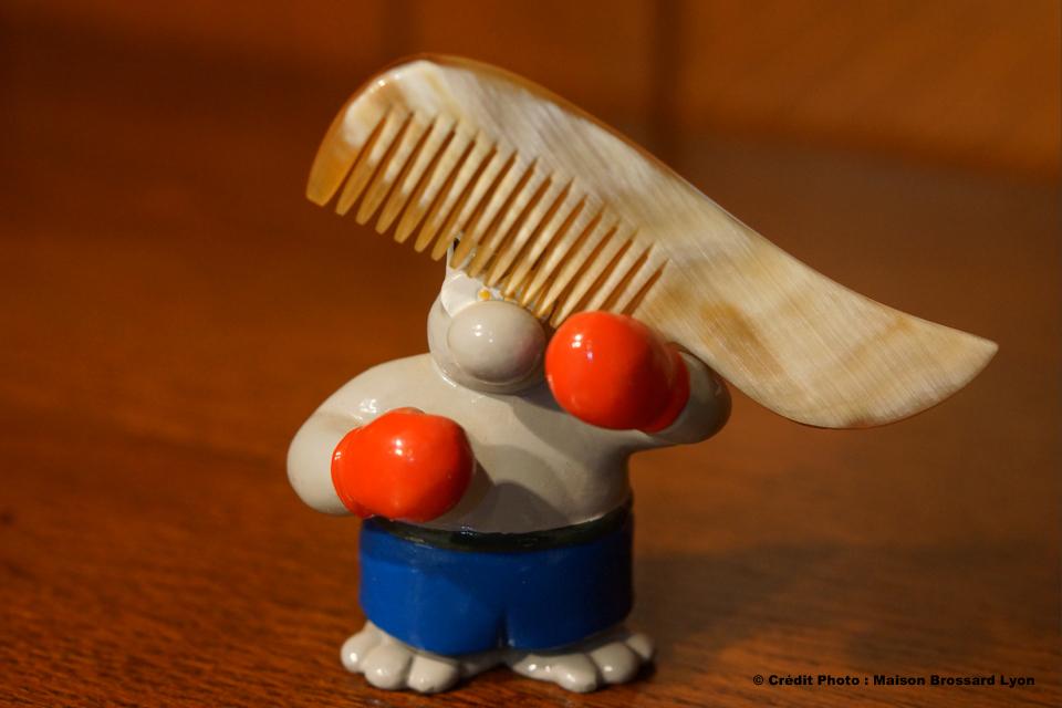 Peigne Barbe en Corne. Peignes de 11€50 à 21€ / Brosses de 15€ à 19€