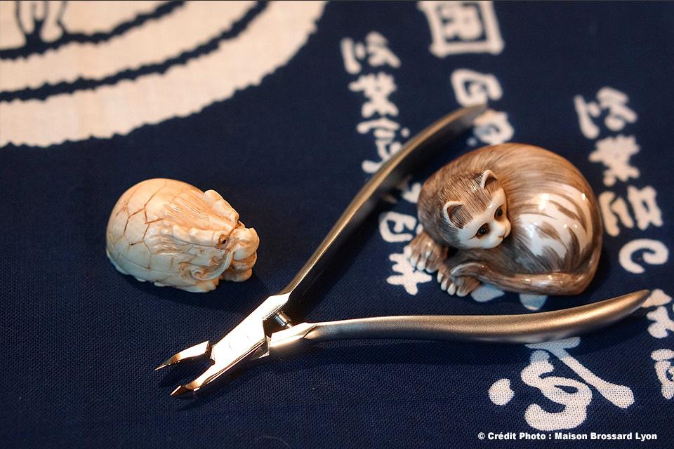 Pince à cuticules – Acier inox forgé – Japon. 149€