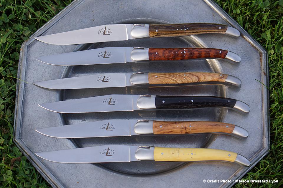 Forge de Laguiole - Arts de la Table - Couteaux de Table Laguiole Bois Naturels. 460€