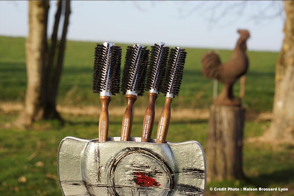 Brosses rondes pur sanglier montées sur aluminium antistatique. De 18€ à 20€50